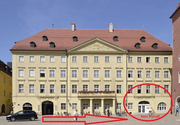 Eingang zum Büro von Alexander Piendl