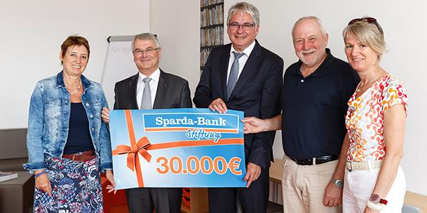 Scheckübergabe Sparda-Bank - Förderverein
